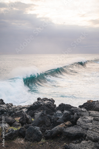 Fotografija Great wave of Kanagawa and black rocks