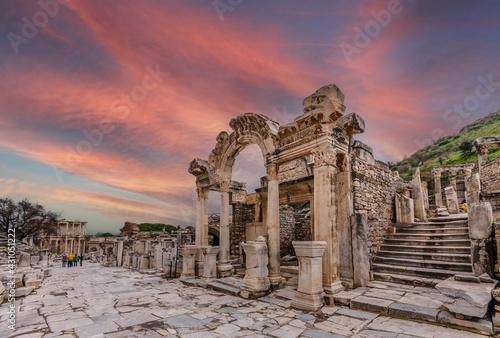 Canvas-taulu The Hadrian Temple of Ephesus Ancient City