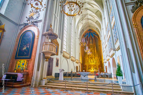 Fotomural The Altar of Augustinerkirche in Vienna, Austria