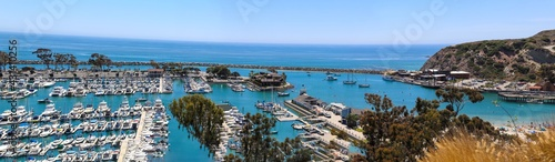 Canvastavla a stunning panoramic shot of the boats and yacht docked and sailing Dana Point H