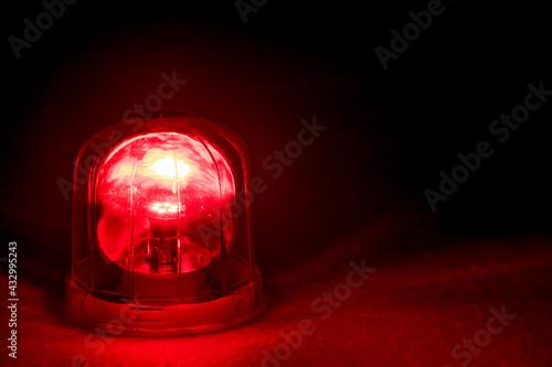 Stampa su Tela Emergency rotating alarm red light at night.