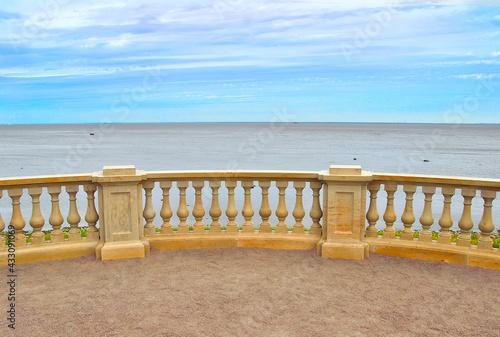 Fotografía Gulf of Finland embankment in Peterhof, Saint Petersburg, Russia
