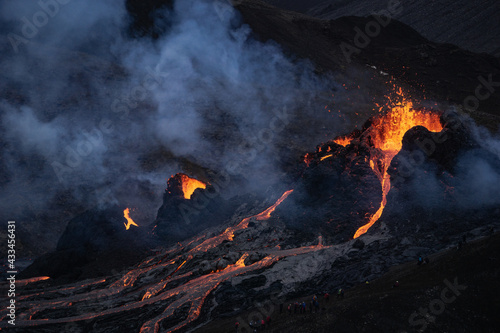 Canvas Print Volcanic eruption in Mt Fagradalsfjall, Southwest Iceland