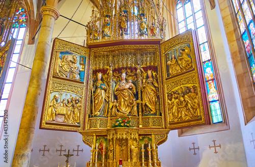 Leinwand Poster The medieval altarpiece in Hallstatt Parish Church, Salzkammergut, Austria