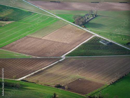 Photo vue aérienne de champs à Vesly dans le Val d'Oise en France