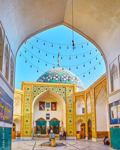The complex of Imam Zadeh Jafar Shrine, Yazd, Iran фототапет
