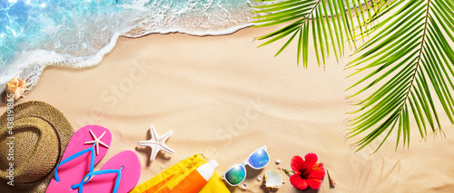 Photo Beach Accessories On Tropical Sand And Seashore - Summer Vacations