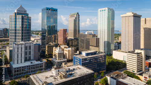 Photo Tampa, FL USA - 6-12-21: Drone shot of skyscrapers in downtown Tampa