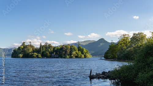 Fotografiet Keswick Landscape with Catbells in the background