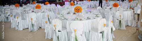 Stampa su Tela Holiday table setting decorated with flowers and candles.