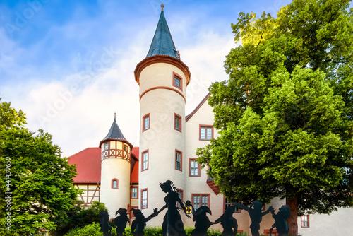 Fotografie, Obraz Snow White and the Seven Dwarfs in Lohr am Main, Bavaria - Schneewittchen und di