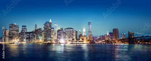 Foto Murales A view of New York city at night time