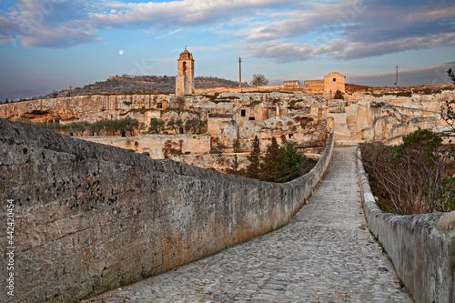 Fotografie, Obraz Gravina in Puglia, Bari, Italy: landscape at sunrise from the ancient aqueduct b