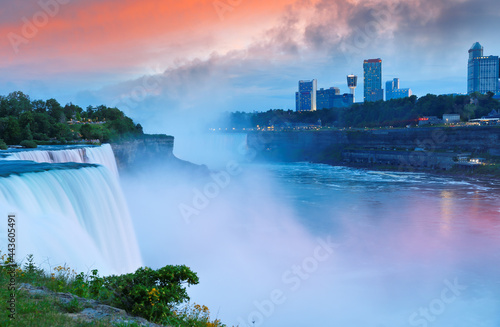 Obraz na płótnie Overview of Niagara Falls with beautiful sunset, Niagara Falls  is a group of th
