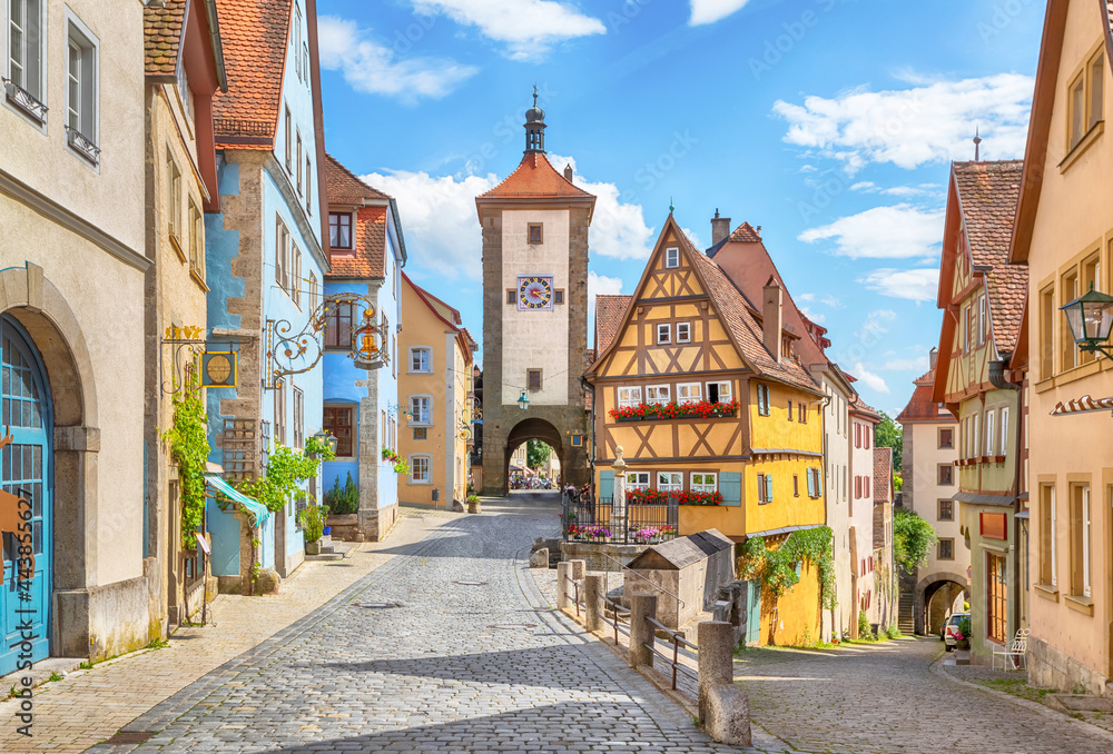Picturesque view of medieval town Rothenburg ob der Tauber on sunny day, Bavaria, Germany - obrazy, fototapety, plakaty