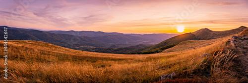 Zachód słońca nad Połoniną Wetlińską   Bieszczady, Polska