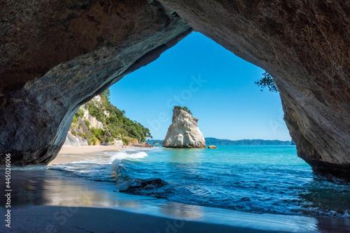 Stampa su Tela Scenic Cathedral Cove at Coromandel peninsula in New Zealand