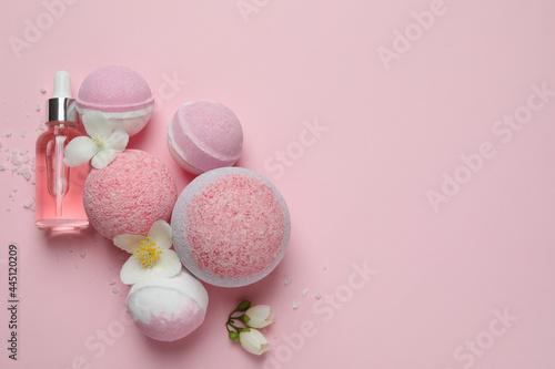 Obraz na plátně Body care concept with bath balls on pink background