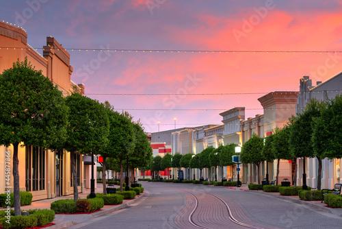 Canvas Print Shreveport, Louisiana, USA downtown and shops at dusk.