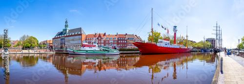 Fotografiet Rathaus, Hafenpanorama, Emden, Deutschland