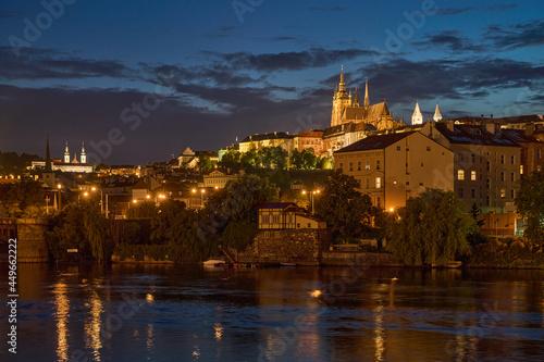 Obraz na plátně Prague Castle and Vltava river at dusk