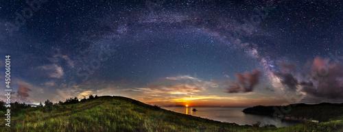 Obraz na plátně Milky way over sea landscape.