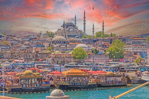 View from the Galata Bridge in Istanbul over the Bosphorus to the historic city Fototapeta