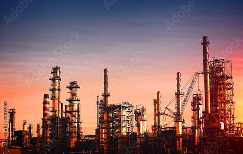 Oil Refinery at Dusk - Vivid Colors Fotobehang
