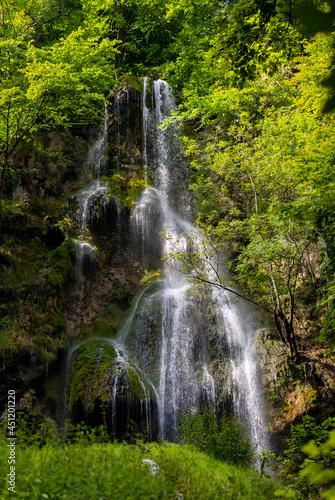 Fotografie, Obraz Uracher Wasserfall Wasserfall Bad Urach Baden-Württemberg Deutschland Wald Idyll