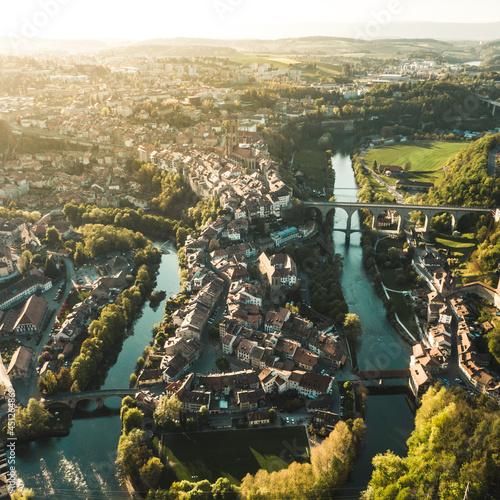Obraz na płótnie Ville de Fribourg en drone