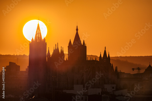 Canvas Leon Cathedral sunset Castilla Leon, Gothic architecture Spain sun drawing the s
