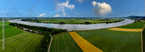 Fotografia Aerial view of green cultivated fields