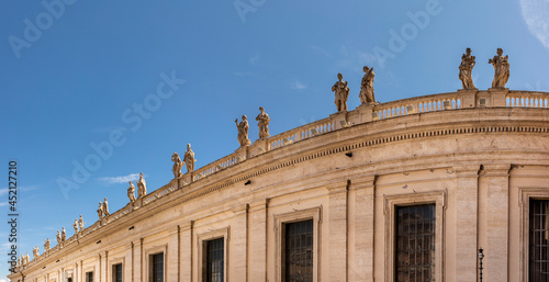 the apostles as statues at the balcony of st Fototapet