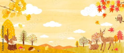 秋の森にいるかわいい動物達の背景素材 手描き水彩画イラスト(横長)03