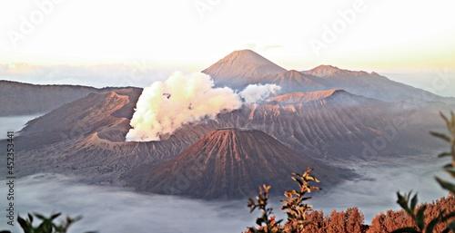 Obraz na plátně the majesty of Mount Bromo-Semeru with its beautiful and amazing scenery