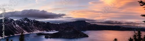 Fotografia Sunset at Crater Lake National Park