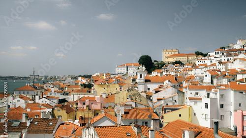 Photo Beautiful landscape of Lisbon on the side of the ocean