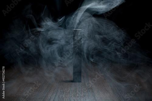 Fotografia MOSCOW - 26 June 2020: Juul e-cigarette nicotine vapor stick and pods