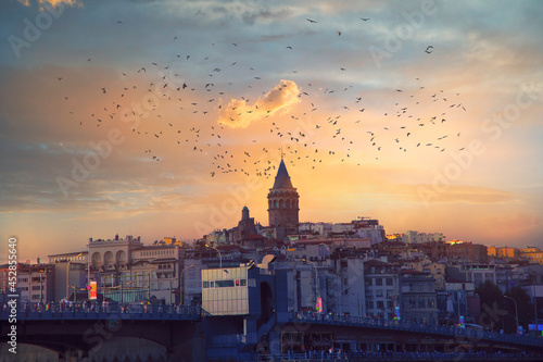 Fotografia An Istanbul classic: Galata Tower
