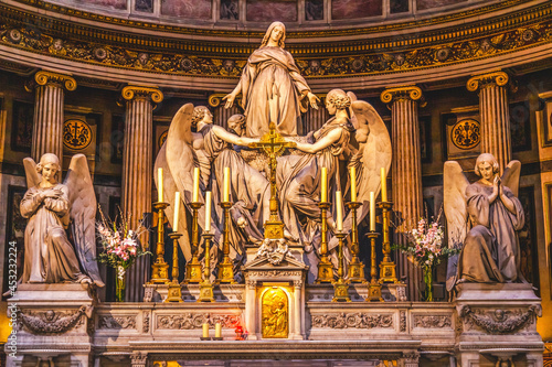 Canvastavla Altar Mary Angels Statues La Madeleine Church Paris France