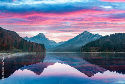 Fototapeta Peaceful autumn view on Obersee lake in Swiss Alps
