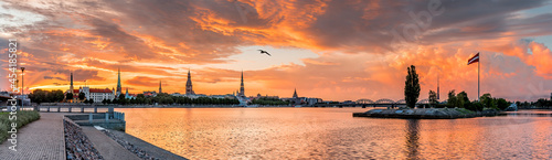 Leinwand Poster Panoramic image depicting historical district of Riga - the capital city of Latv
