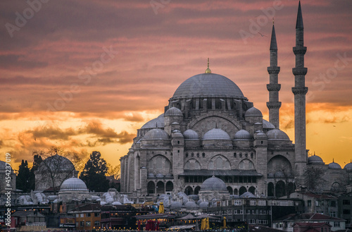 Canvastavla The Magnificent Süleymaniye Mosque This masterpiece of architecture was designed in the 16th century by famous Ottoman architect Sinan for Suleiman the Magnificent