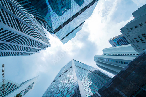Foto View of modern business skyscrapers glass and sky view landscape of commercial b