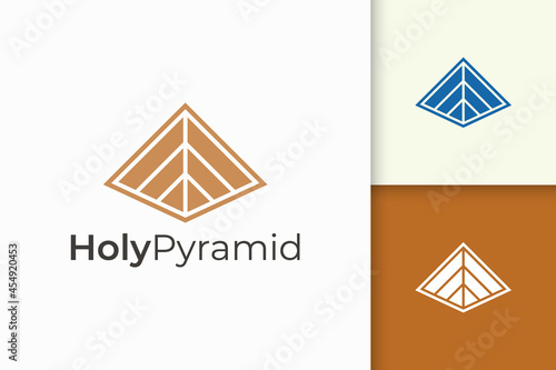 Fototapeta Triangle pyramid logo in simple and modern shape fit for tech company