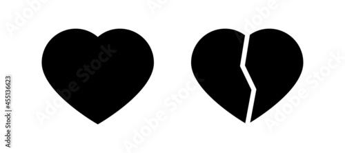 Fotografia Whole and broken heart black icons