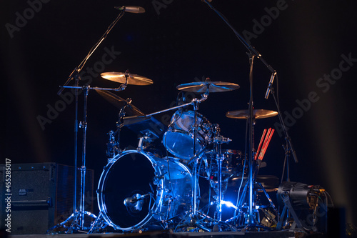 Foto drums on stage before a concert