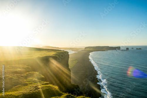 Billede på lærred Reynisfjara shore near the village Vik, atlantic ocean, Iceland