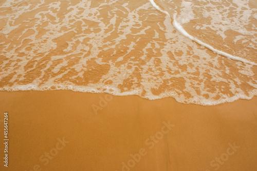 Fototapeta 黄金に光る砂浜