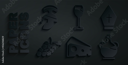 Set Cheese, Pope hat, Grape fruit, Bottle of olive oil, Wine glass and Roman army helmet icon Fototapeta